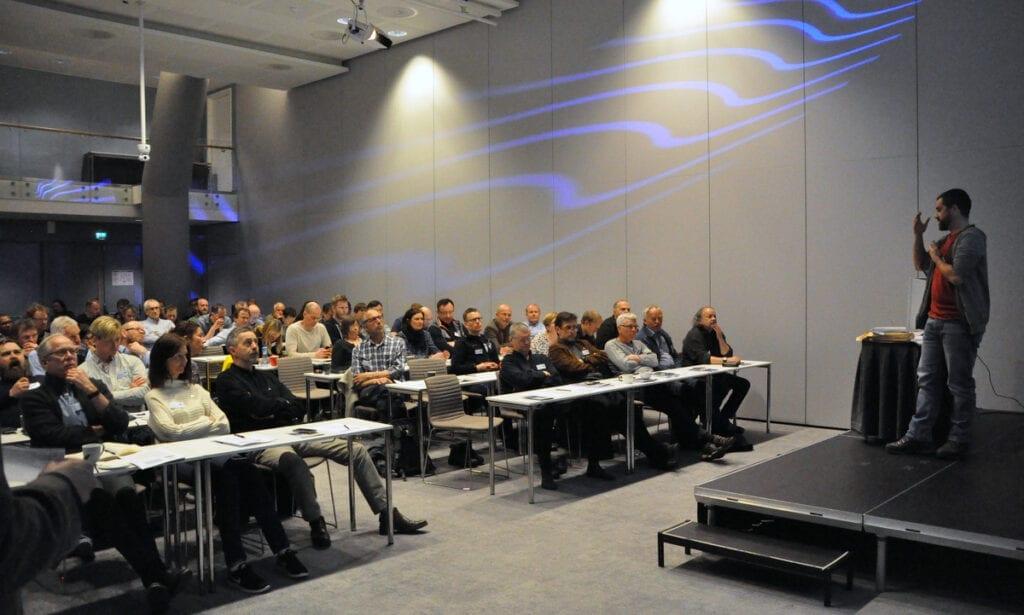 Sébastien Descamps holder foredrag under SEAPOP-seminaret i Bergen 2017